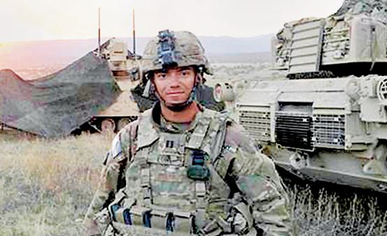 Photo courtesy Dennis Lowe Army Capt. Dennis Lowe participates in a field training exercise at Fort Carson, Colorado, during his last year in the Army. Lowe, currently enrolled at USC Marshall School of Business, hopes to be a part of Leadership Pasadena's efforts to train veterans as community leaders.