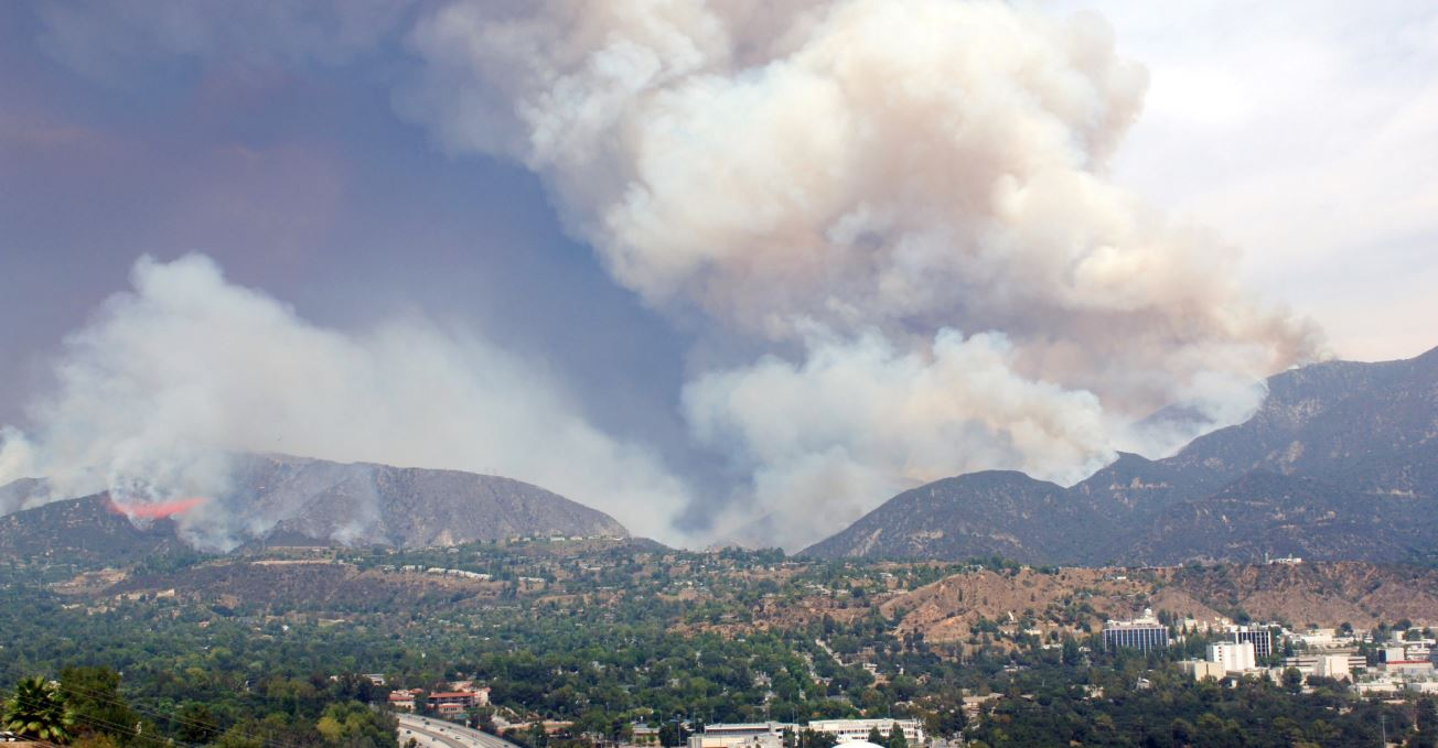 The Station Fire created its own atmosphere above La Cañada High School and the 210 Freeway.